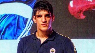 Serhat Güler'den Uluslararası Strandja Boks Turnuvası'nda gümüş madalya