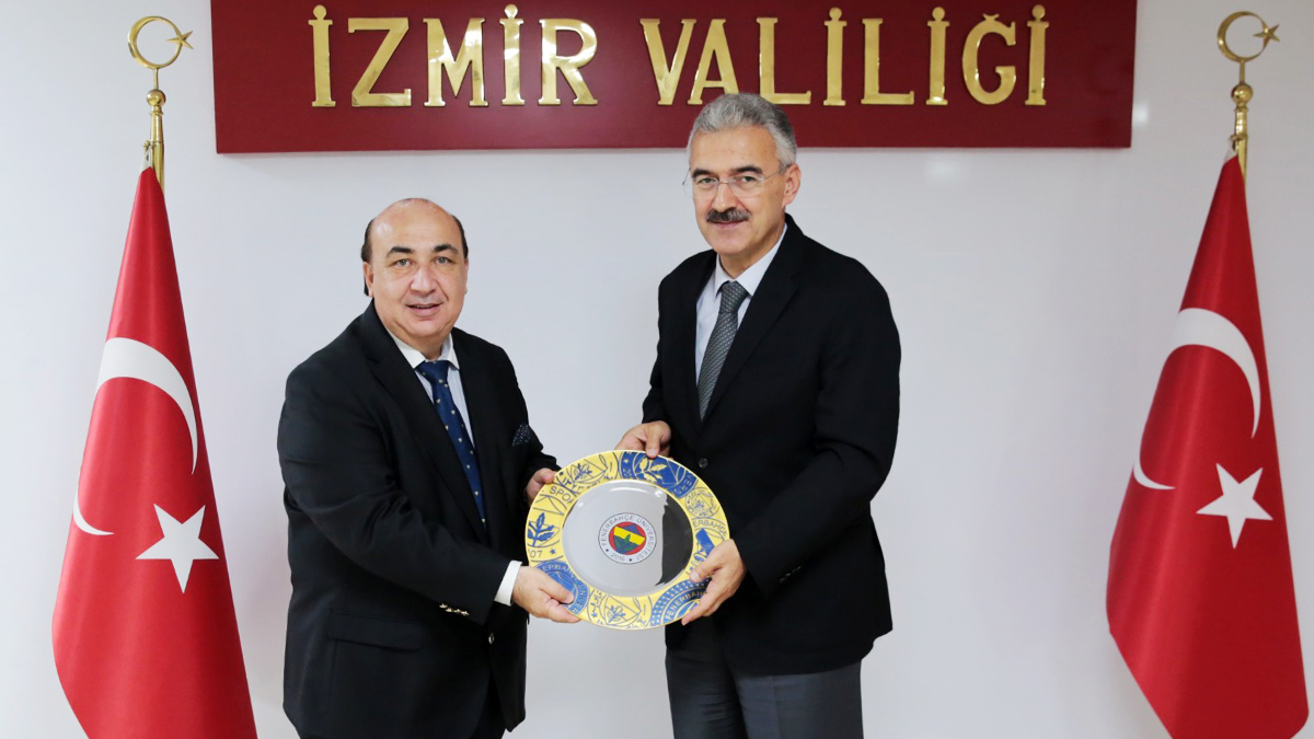 Fenerbahçe Üniversitesi İzmir'de tanıtıldı