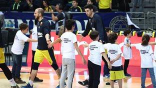Fenerbahçe Beko - Gaziantep Basketbol maçı seremonisinde FBÇGK katılımcıları yer aldı