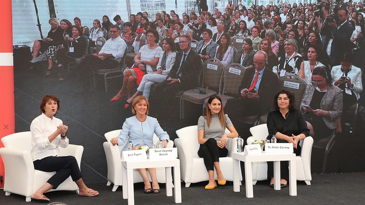 """Yönetim Kurulu Üyemiz Sevil Zeynep Becan """"11 Ekim Dünya Kız Çocukları Günü Konferansı""""na katıldı"""