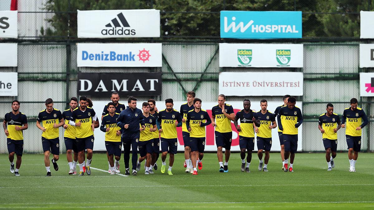 Fenerbahçemiz günü çift antrenmanla tamamladı