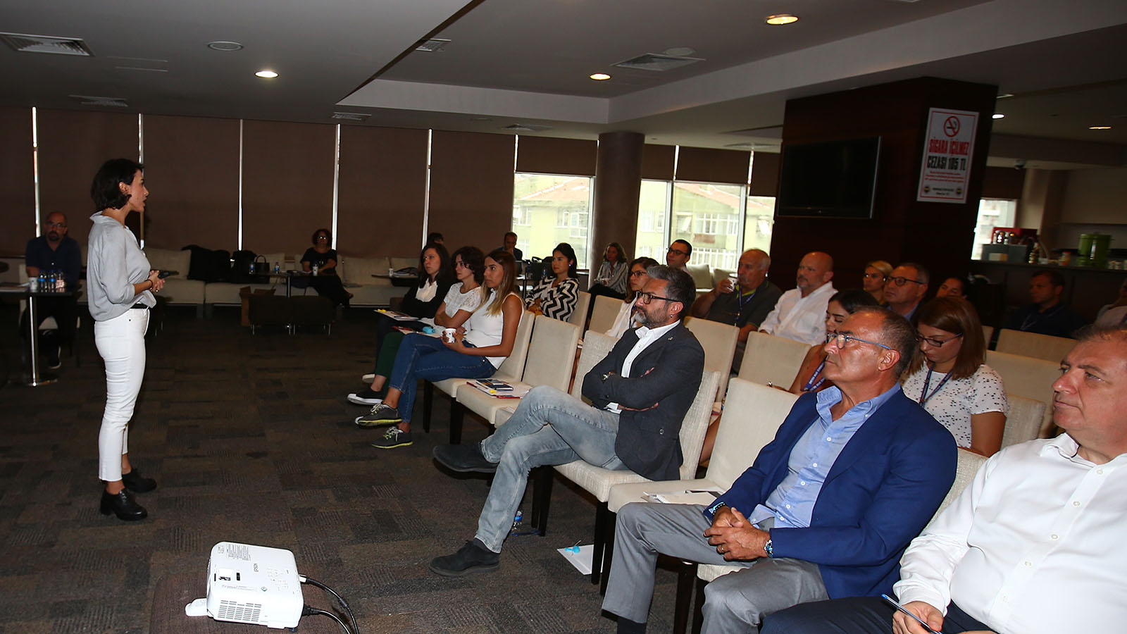 Kulüp çalışanlarımıza toplumsal cinsiyet eşitliği seminerleri verilmeye devam ediyor