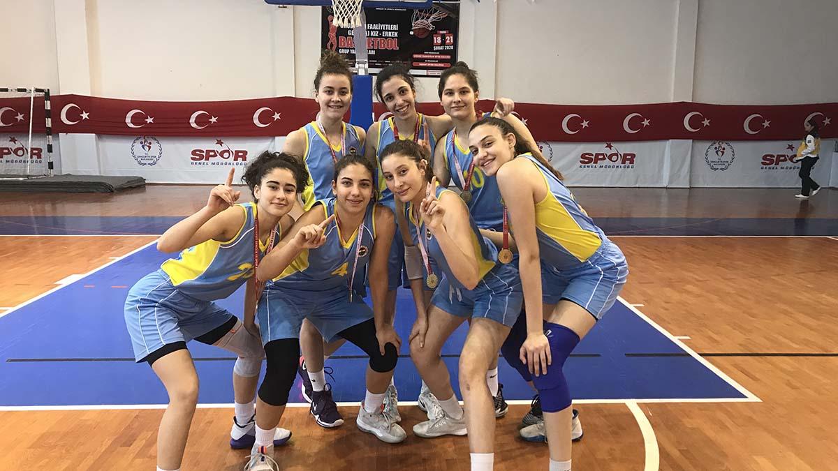 Fenerbahçe Koleji Genç Kız Basketbol Takımı, grup şampiyonu oldu