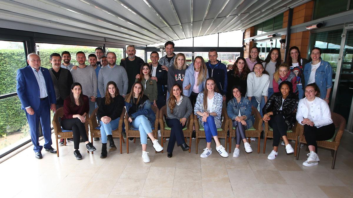 Fenerbahçe Opet kahvaltıda yöneticilerimizle bir araya geldi