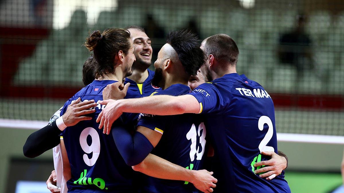 Fenerbahçe HDI Sigorta, normal sezonu galibiyetle tamamladı