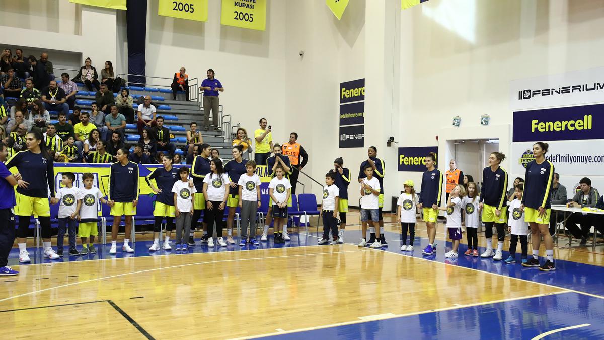 FBÇGK Katılımcıları derbi seremonisinde yer aldı