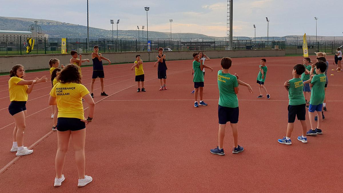 Fenerbahçe Spor Okulları Yaz Kampı'nın ikinci günü tamamlandı