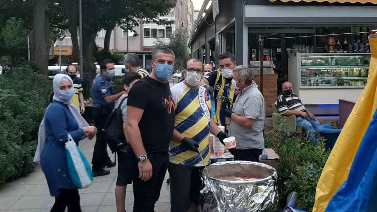 Ödemiş Fenerbahçeliler Derneğimiz aşure dağıttı