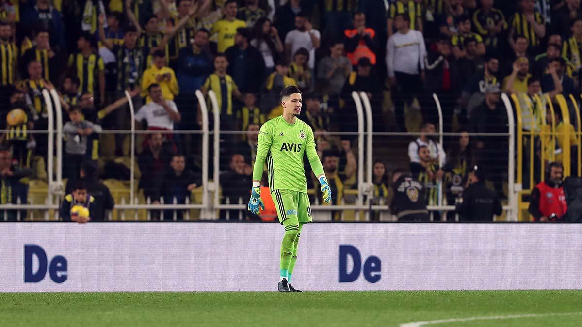 Altay Bayındır: Fenerbahçemize en iyi katkıyı sağlamak için yoğun bir şekilde çalışıyorum