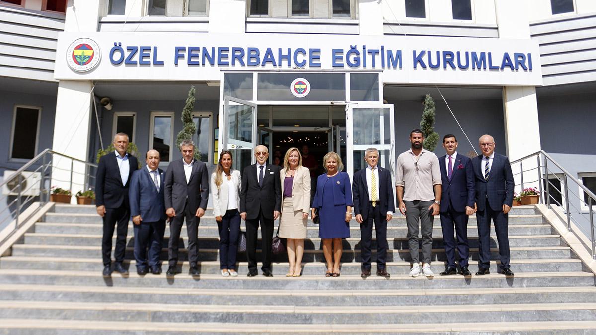 Fenerbahçe Eğitim Kurumları'nda ilk ders zili çaldı