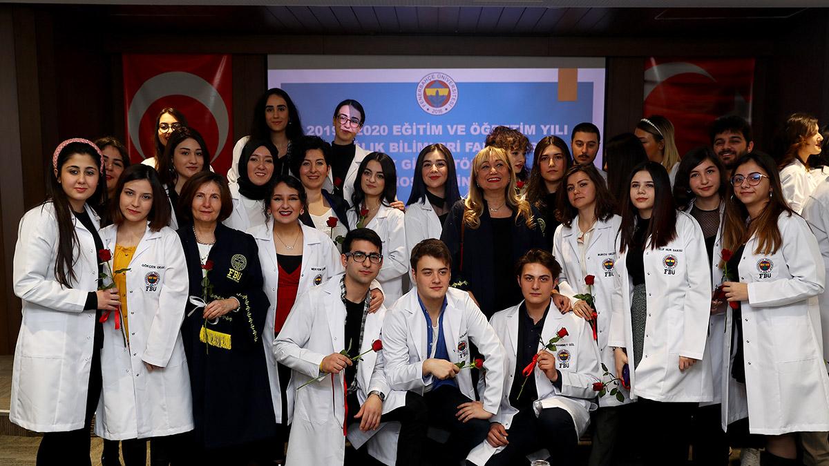 Sağlık Bilimleri Fakültesi Beyaz Önlük Giyme Töreni gerçekleşti
