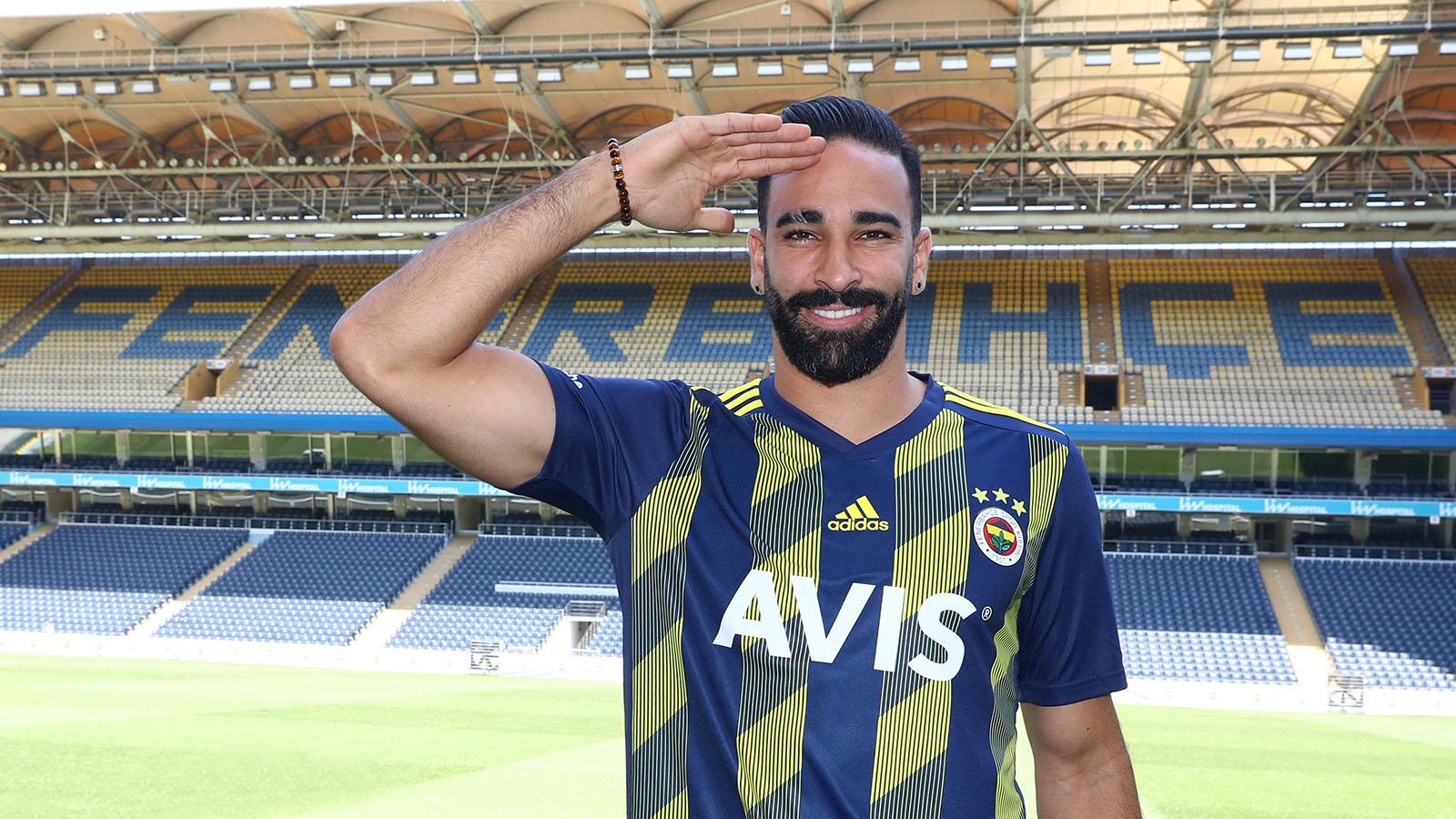Adil Rami: Fenerbahçe Ailesi'nin bir askeri olarak elimden geleni yapacağım