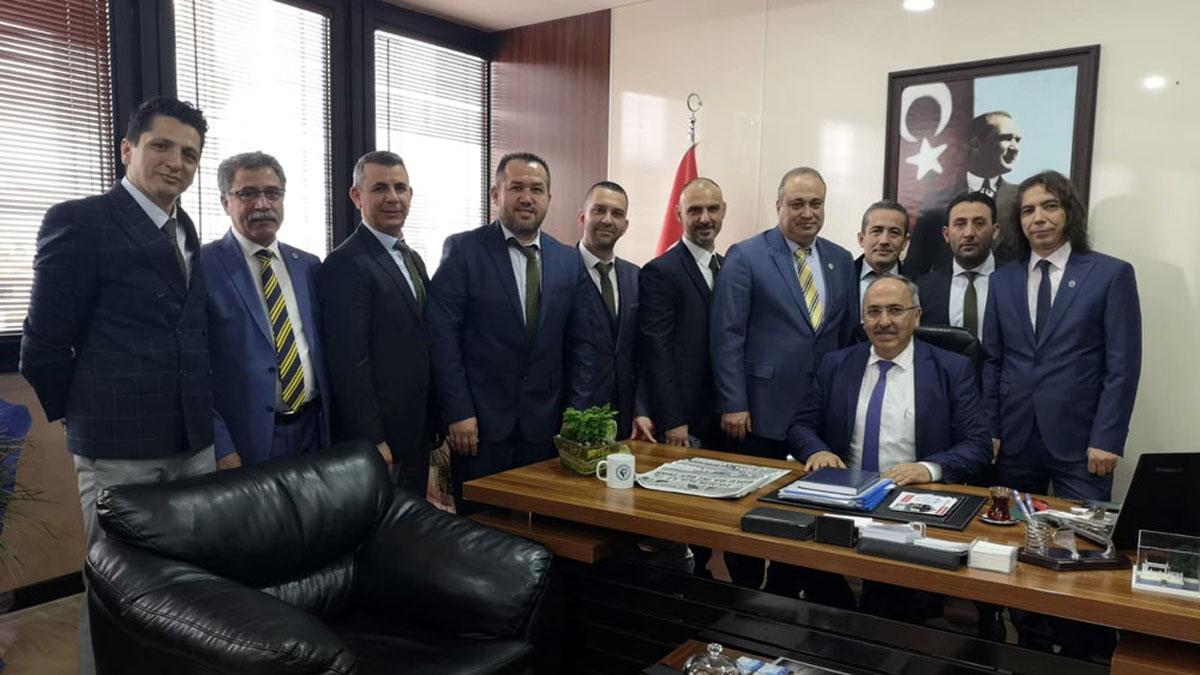 Bolu Fenerbahçeliler Derneği'nden Bolu Belediye Başkanı Tanju Özcan'a ziyaret