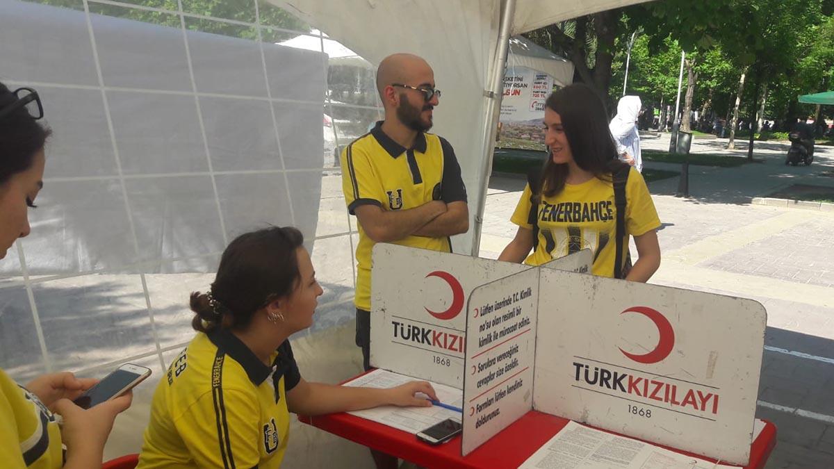 Sakarya Derneğimiz 19 Temmuz Dünya Fenerbahçeliler Günü'nde kan bağışı kampanyası düzenledi