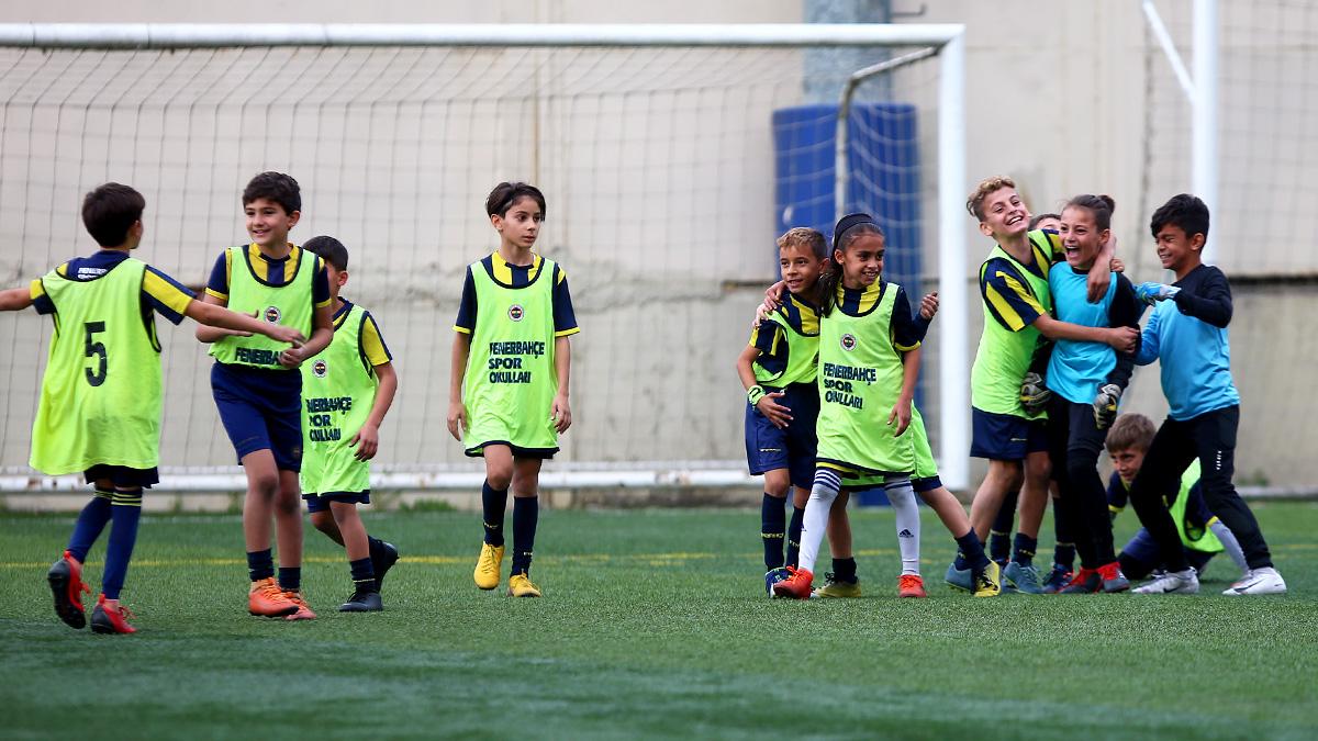 Fenerbahçe Spor Okulları İstanbul Cup Turnuvası'nın ilk günü geride kaldı