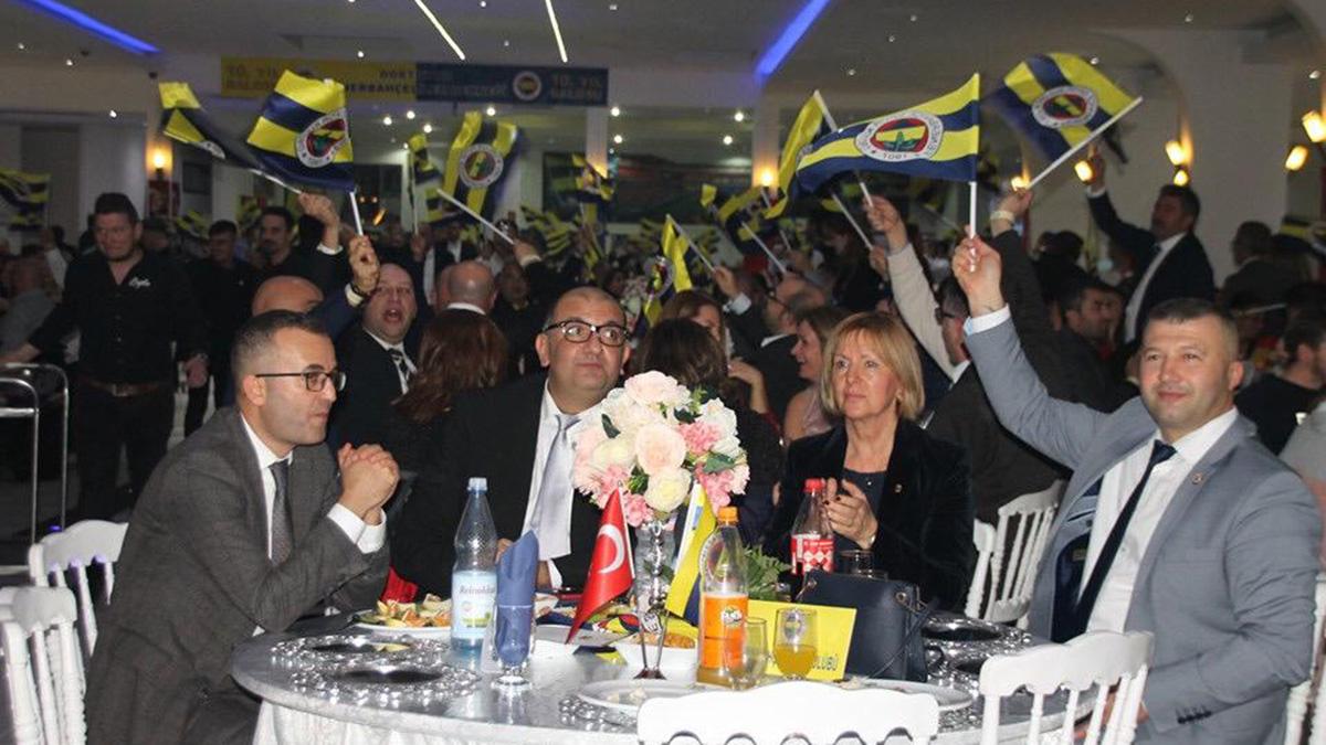 Dortmund Fenerbahçeliler Derneği 10. yılını coşkuyla kutladı