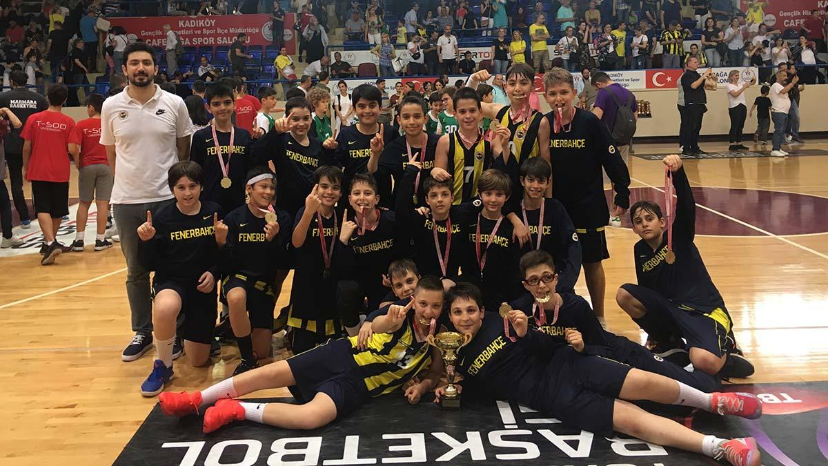 Erkek basketbolda U11 İstanbul Ligi Şampiyonu; Fenerbahçe