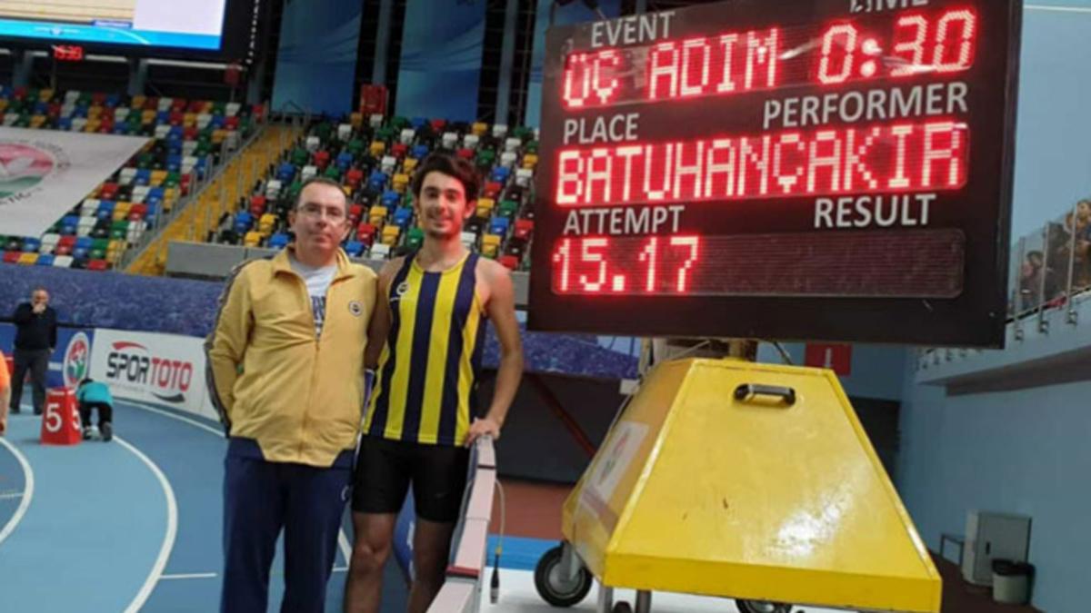 Batuhan Çakır üç adım atlamada rekor kırdı