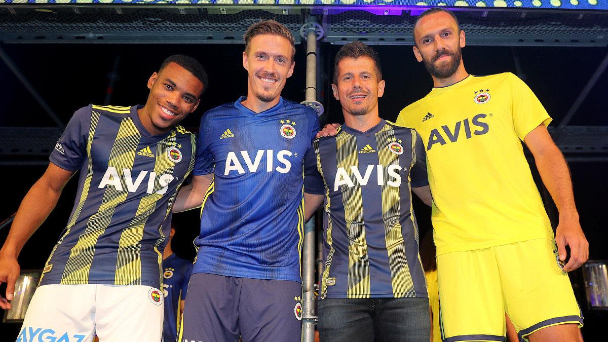Futbolcularımız yeni sezon formalarımızı değerlendirdi