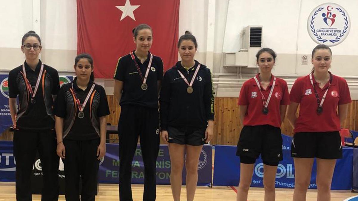 Masa Tenisi sporcularımız Türkiye Kupası ferdi yarışmalarında zirvede yer aldı