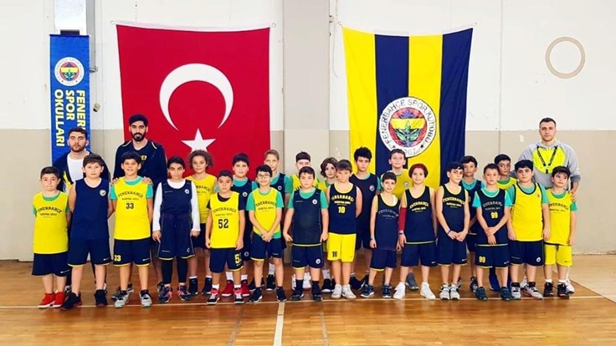 Fenerbahçe Spor Okulları Basketbol-Voleybol Güz Kampı devam ediyor