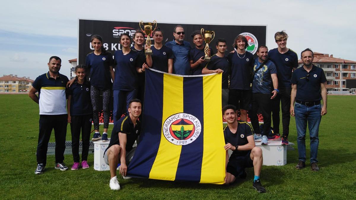 Fenerbahçemiz U18 Atletizm Ligi'nde erkeklerde şampiyon, kızlarda ise ikinci oldu