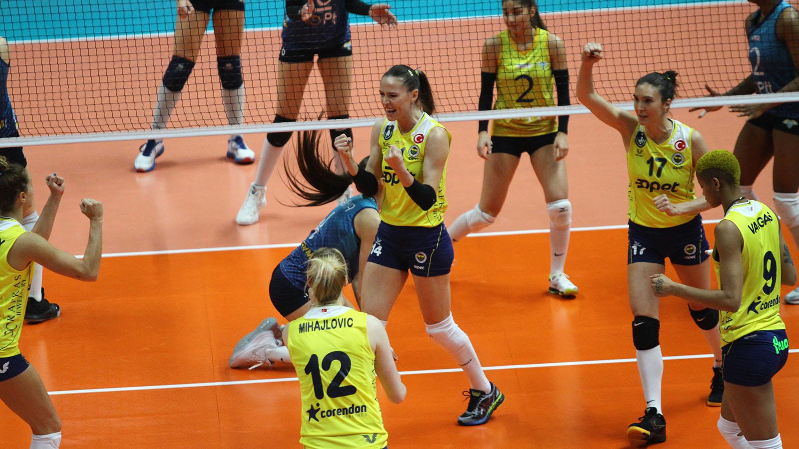 PTT 2-3 Fenerbahçe Opet