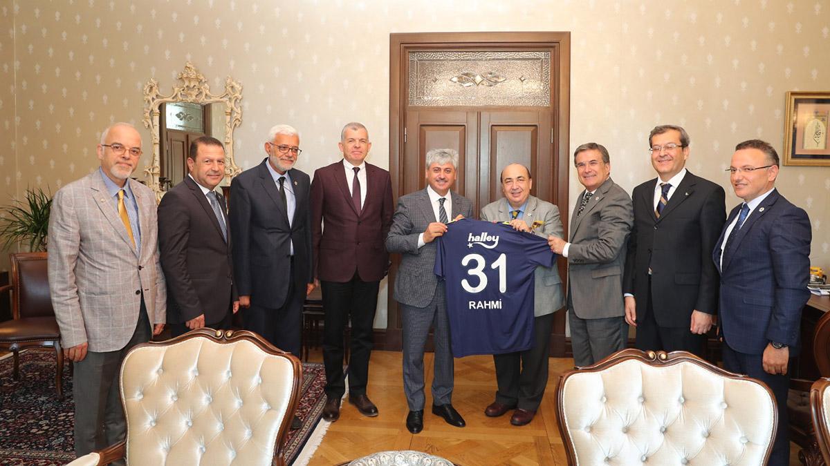 Fenerbahçe Üniversitesi Hatay ve Gaziantep'te tanıtıldı