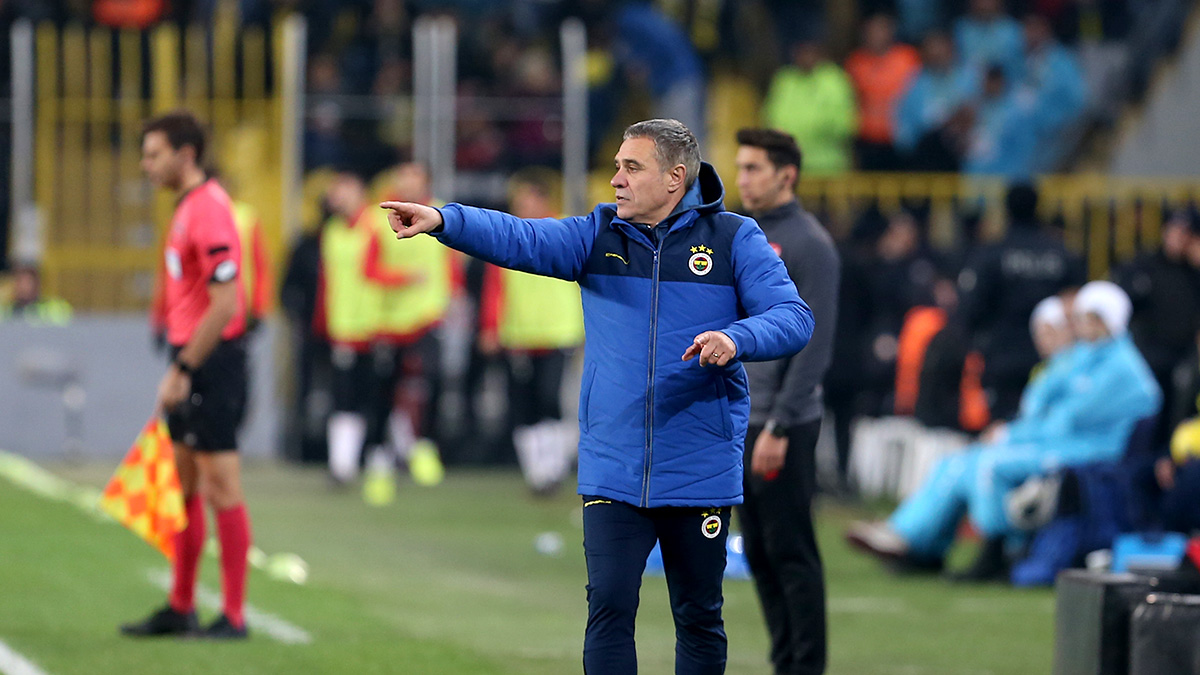 Teknik Direktörümüz Ersun Yanal: Bu oyunla zirvede kalarak şampiyon olmak en büyük hedefimiz olacak