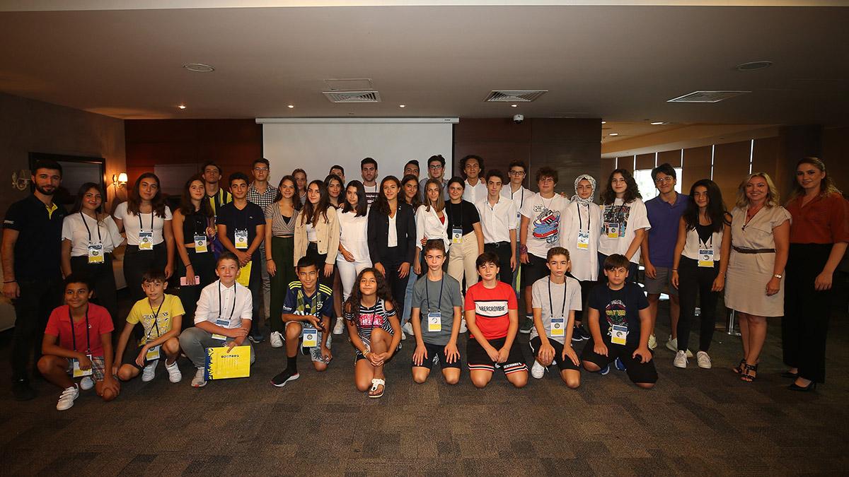 FBÇGK'nin genç katılımcıları bir araya geldi