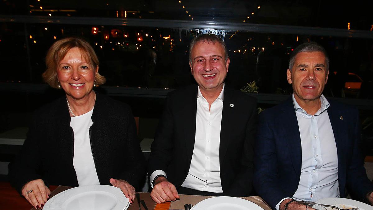 Yöneticilerimiz, Fenerbahçeli Sağlık Çalışanları Derneği'nin üyeleriyle bir araya geldi