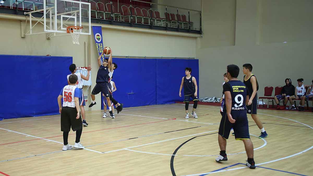 Fenerbahçe Spor Okulları Sömestre Kampı'nda 4.gün tamamlandı