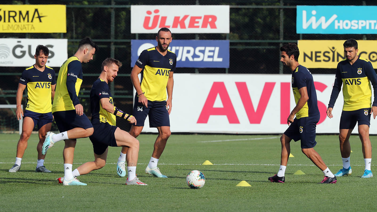 Fenerbahçemiz kampa girdi