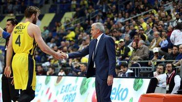 Başantrenörümüz Zeljko Obradovic ve Nicolo Melli'nin maç önü görüşleri